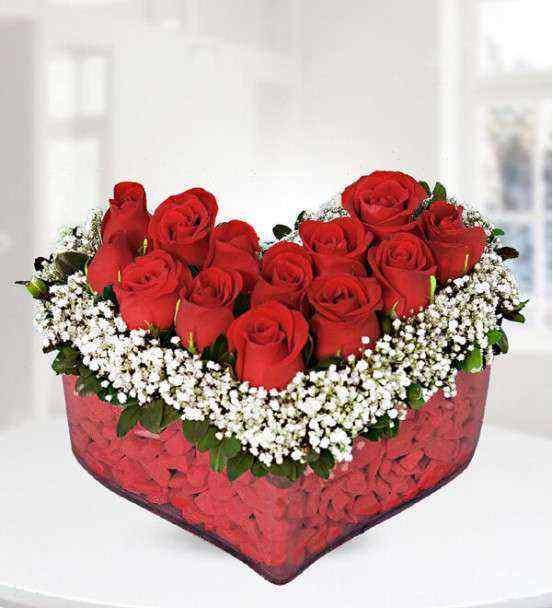 Kırmızı Güller Kalpte