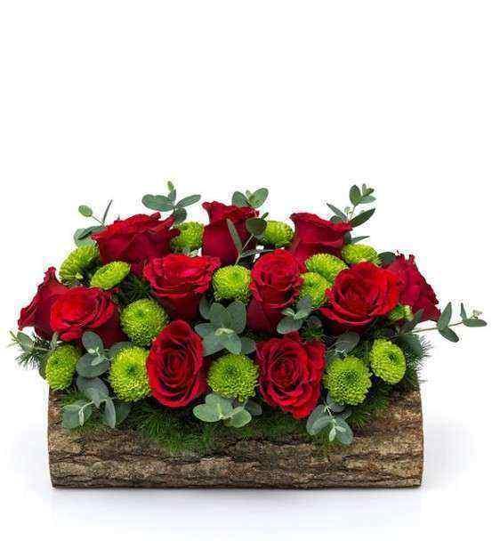 Ahşapta Güller ve Kır Çİçeklerinin Dansı